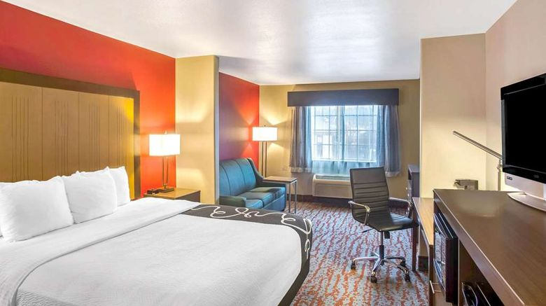 """<b>La Quinta Inn & Suites Fort Smith Suite</b>. Images powered by <a href=""""https://iceportal.shijigroup.com/"""" title=""""IcePortal"""" target=""""_blank"""">IcePortal</a>."""