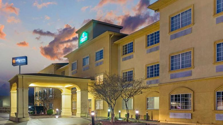 """<b>La Quinta Inn & Suites Fort Smith Exterior</b>. Images powered by <a href=""""https://iceportal.shijigroup.com/"""" title=""""IcePortal"""" target=""""_blank"""">IcePortal</a>."""