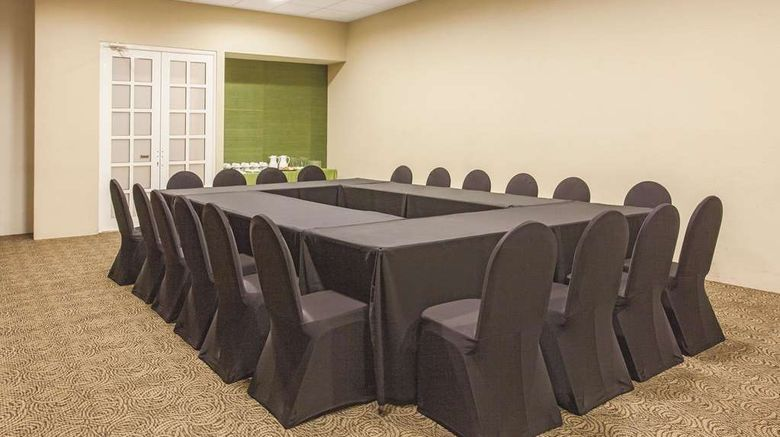"""<b>La Quinta by Wyndham Poza Rica Meeting</b>. Images powered by <a href=""""https://iceportal.shijigroup.com/"""" title=""""IcePortal"""" target=""""_blank"""">IcePortal</a>."""