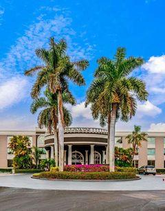 La Quinta Inn & Suites Naples Downtown
