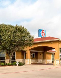 Motel 6 Alvarado