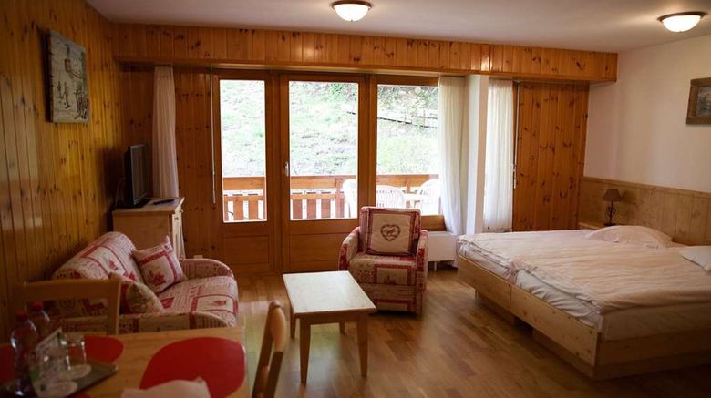 """Tulip Inn Bains dOvronnaz Room. Images powered by <a href=""""http://web.iceportal.com"""" target=""""_blank"""" rel=""""noopener"""">Ice Portal</a>."""