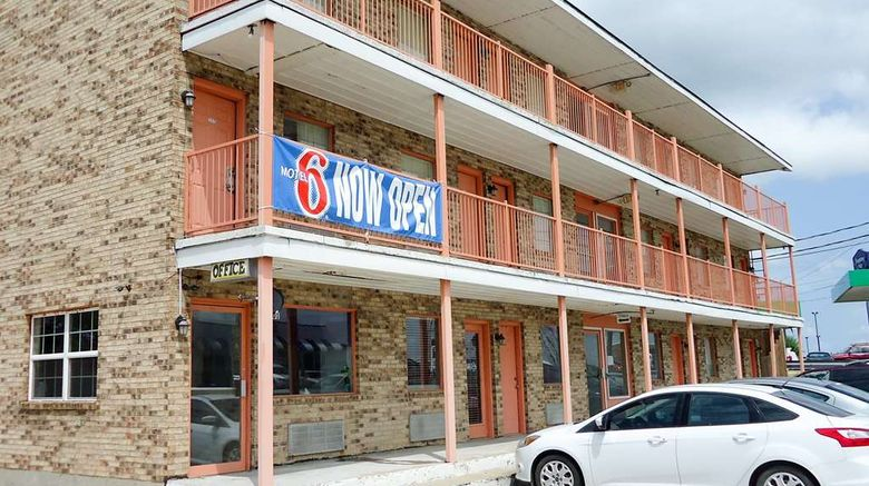 """Motel 6 Rolla Exterior. Images powered by <a href=""""http://web.iceportal.com"""" target=""""_blank"""" rel=""""noopener"""">Ice Portal</a>."""