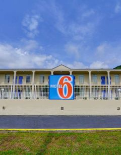 Motel 6 Americus