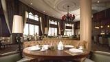 Wellborn Luxury Hotel Lobby