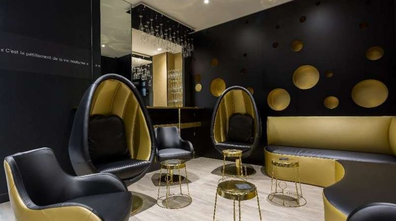 """Hotel Les Bulles de Paris Lobby. Images powered by <a href=""""http://web.iceportal.com"""" target=""""_blank"""" rel=""""noopener"""">Ice Portal</a>."""