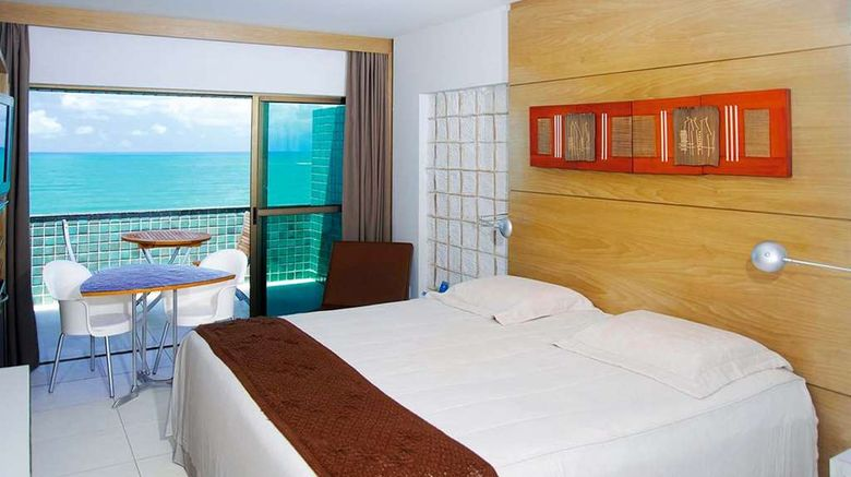 """Ritz Lagoa da Anta Room. Images powered by <a href=""""http://web.iceportal.com"""" target=""""_blank"""" rel=""""noopener"""">Ice Portal</a>."""