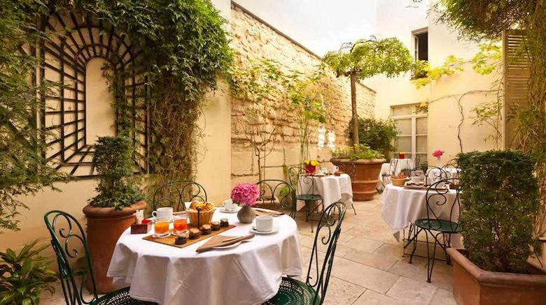 """Le Clos Medicis Exterior. Images powered by <a href=""""http://web.iceportal.com"""" target=""""_blank"""" rel=""""noopener"""">Ice Portal</a>."""