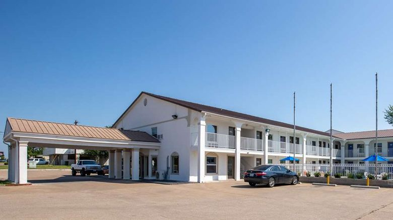 """Motel 6 Bryan Exterior. Images powered by <a href=""""http://web.iceportal.com"""" target=""""_blank"""" rel=""""noopener"""">Ice Portal</a>."""