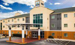 Days Inn & Suites Augusta West