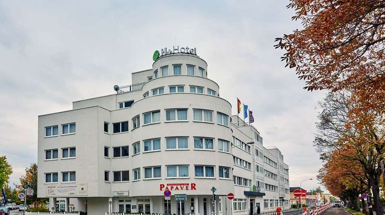 """H Plus Hotel Darmstadt Exterior. Images powered by <a href=""""http://web.iceportal.com"""" target=""""_blank"""" rel=""""noopener"""">Ice Portal</a>."""