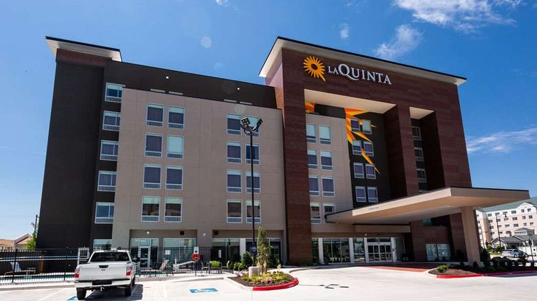 """La Quinta Inn  and  Sts Oklahoma Cty Airport Exterior. Images powered by <a href=""""http://web.iceportal.com"""" target=""""_blank"""" rel=""""noopener"""">Ice Portal</a>."""