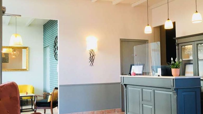 """Brit Hotel Les Acacias Lobby. Images powered by <a href=""""http://web.iceportal.com"""" target=""""_blank"""" rel=""""noopener"""">Ice Portal</a>."""