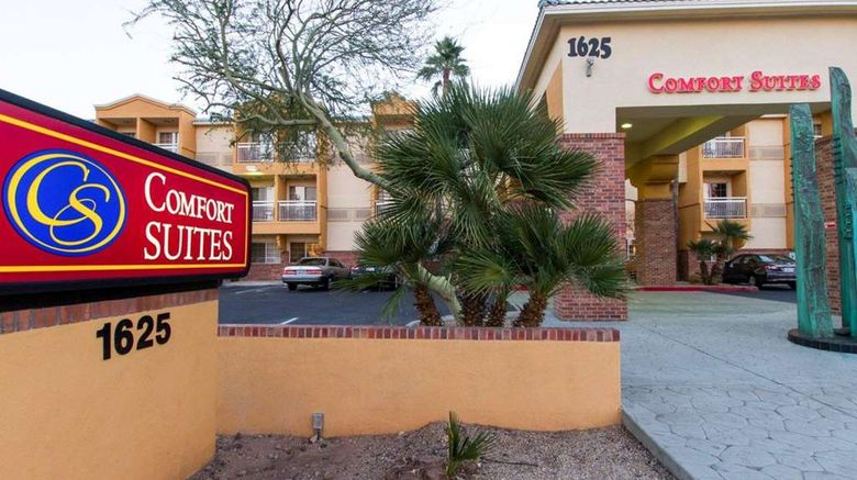 """Comfort Suites Airport Exterior. Images powered by <a href=""""http://web.iceportal.com"""" target=""""_blank"""" rel=""""noopener"""">Ice Portal</a>."""