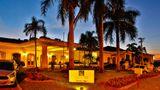 Quality Hotel & Convention Center Exterior