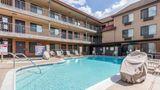 Quality Inn & Suites Bell Gardens Pool