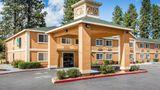 Quality Inn & Suites Exterior