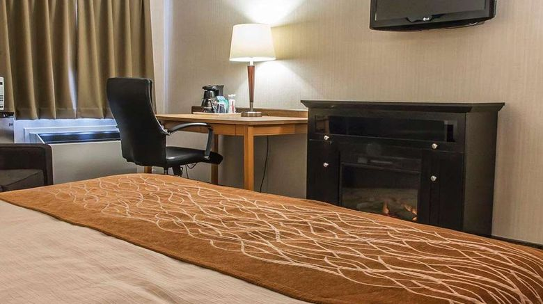 """<b>Comfort Inn Room</b>. Images powered by <a href=""""https://iceportal.shijigroup.com/"""" title=""""IcePortal"""" target=""""_blank"""">IcePortal</a>."""