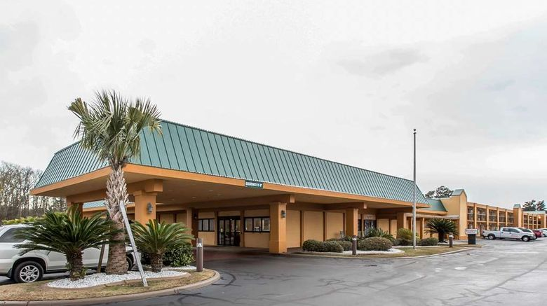 """Quality Inn Midtown Exterior. Images powered by <a href=""""http://web.iceportal.com"""" target=""""_blank"""" rel=""""noopener"""">Ice Portal</a>."""