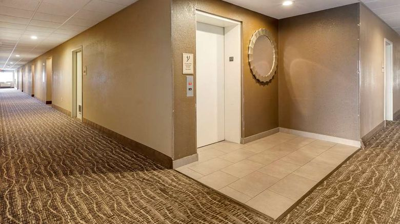 """MainStay Suites Lobby. Images powered by <a href=""""http://web.iceportal.com"""" target=""""_blank"""" rel=""""noopener"""">Ice Portal</a>."""