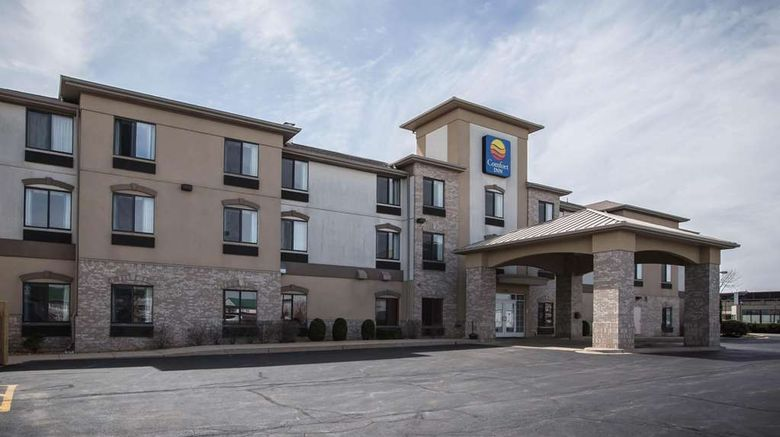 """Comfort Inn Exterior. Images powered by <a href=""""http://web.iceportal.com"""" target=""""_blank"""" rel=""""noopener"""">Ice Portal</a>."""