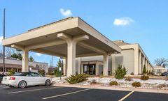 Clarion Inn & Suites Airport Grand Rapid