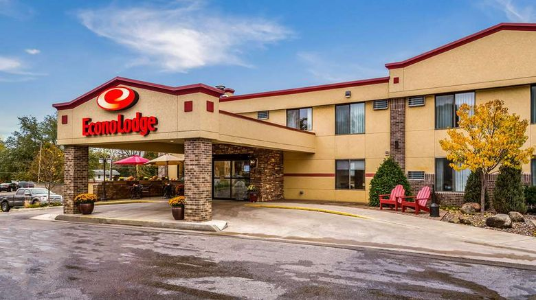 """Econo Lodge Mayo Clinic Area Exterior. Images powered by <a href=""""http://web.iceportal.com"""" target=""""_blank"""" rel=""""noopener"""">Ice Portal</a>."""