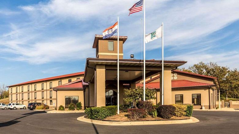 """Quality Inn West Plains Exterior. Images powered by <a href=""""http://web.iceportal.com"""" target=""""_blank"""" rel=""""noopener"""">Ice Portal</a>."""