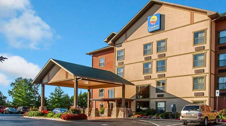 """Comfort Inn  and  Suites Branson Meadows Exterior. Images powered by <a href=""""http://web.iceportal.com"""" target=""""_blank"""" rel=""""noopener"""">Ice Portal</a>."""