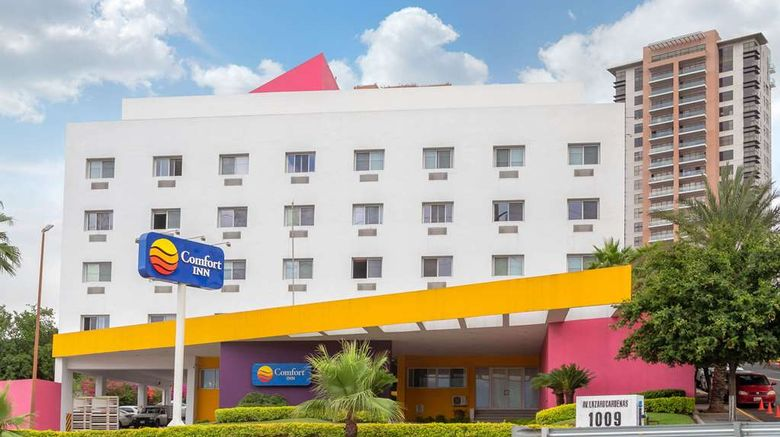"""Comfort Inn Monterrey Valle Exterior. Images powered by <a href=""""http://web.iceportal.com"""" target=""""_blank"""" rel=""""noopener"""">Ice Portal</a>."""