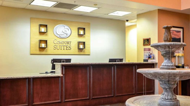 """Comfort Suites Northlake Lobby. Images powered by <a href=""""http://web.iceportal.com"""" target=""""_blank"""" rel=""""noopener"""">Ice Portal</a>."""