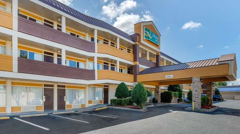 """Quality Inn Airport South Exterior. Images powered by <a href=""""http://web.iceportal.com"""" target=""""_blank"""" rel=""""noopener"""">Ice Portal</a>."""