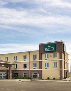 Quality Inn & Suites, Minot