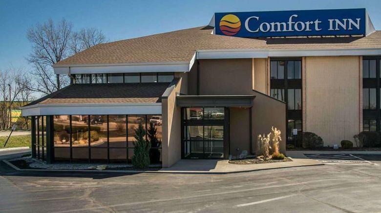 "Comfort Inn Cincinnati NE Exterior. Images powered by <a href=""http://web.iceportal.com"" target=""_blank"" rel=""noopener"">Ice Portal</a>."