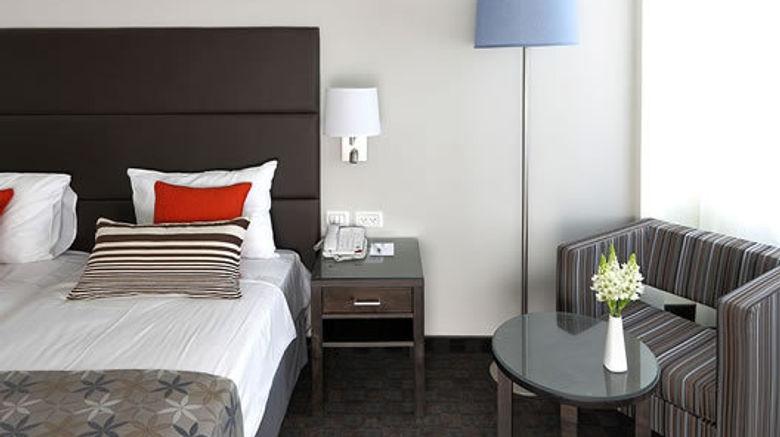 "Metropolitan Hotel Lobby. Images powered by <a href=""http://www.leonardo.com"" target=""_blank"" rel=""noopener"">Leonardo</a>."