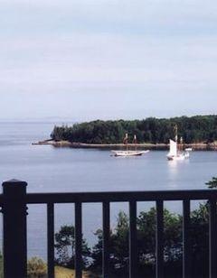 Island View Inn