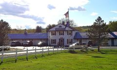 Colonial Valley Motel