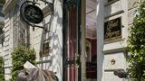 Hotel Regency Exterior