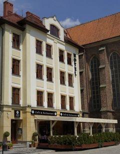 Hotel Arte-Brzeg