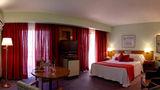Balmoral Plaza Hotel Room