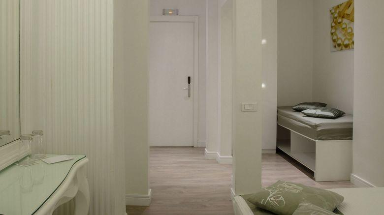 "Athens Diamond Plus Hotel Room. Images powered by <a href=""http://www.leonardo.com"" target=""_blank"" rel=""noopener"">Leonardo</a>."