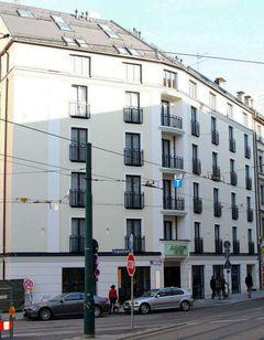 Augusten Hotel