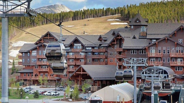 "One Ski Hill Place Exterior. Images powered by <a href=""http://www.leonardo.com"" target=""_blank"" rel=""noopener"">Leonardo</a>."