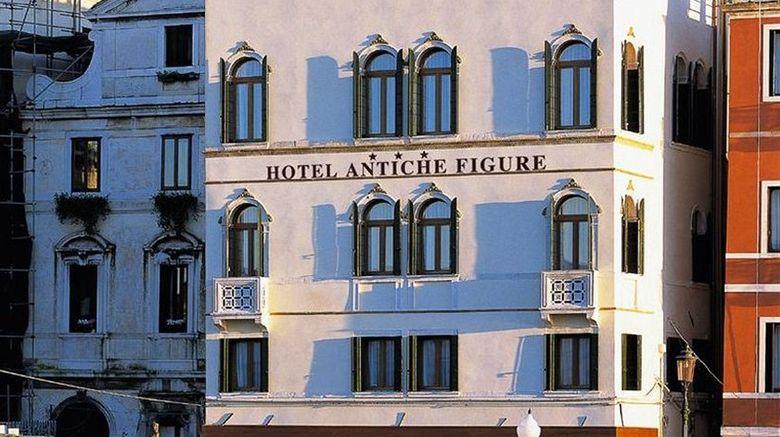 "Hotel Antiche Figure Room. Images powered by <a href=""http://www.leonardo.com"" target=""_blank"" rel=""noopener"">Leonardo</a>."