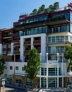 River's Edge Hotel Portland