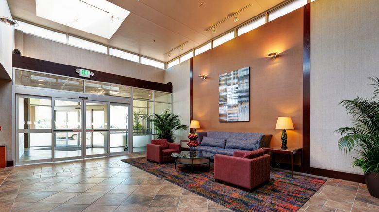 "<b>Holiday Inn Des Moines-Downtown Lobby</b>. Images powered by <a href=""https://leonardo.com/"" title=""Leonardo Worldwide"" target=""_blank"">Leonardo</a>."