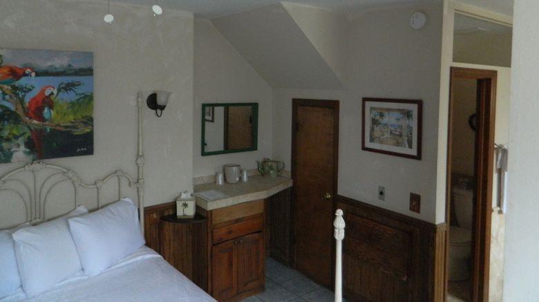 "Catalina Island Seacrest Inn Room. Images powered by <a href=""http://www.leonardo.com"" target=""_blank"" rel=""noopener"">Leonardo</a>."
