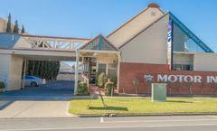 Mas Country Riverboat Lodge Motor Inn