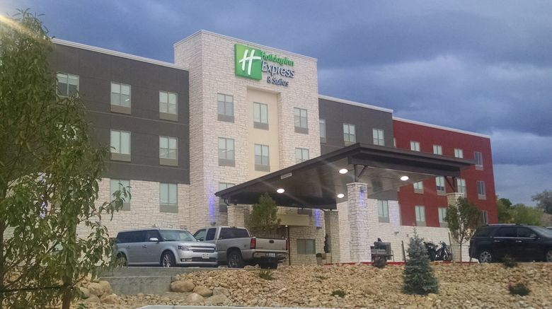 """Holiday Inn Express  and  Suites Price Exterior. Images powered by <a href=""""http://www.leonardo.com"""" target=""""_blank"""" rel=""""noopener"""">Leonardo</a>."""