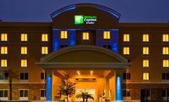 Holiday Inn Express Hotel & Suites Largo